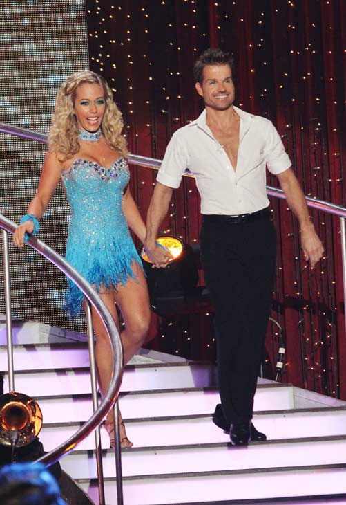 "<div class=""meta ""><span class=""caption-text "">Kendra Wilkinson and her partner Louis van Amstel received 18 out of 30 from the judges for their Cha cha on the season premiere of 'Dancing With The Stars.' (ABC Photo/ Adam Larkey)</span></div>"