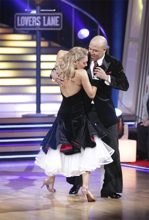 Hines Ward and his partner Kym Johnson received 23 out of 30 from the judges for their Quickstep on week 2 of 'Dancing With The Stars' on Monday, March 28, 2011. Combined with the first wee