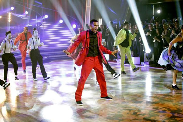 "<div class=""meta ""><span class=""caption-text "">Chris Brown stopped by to perform his hit single 'Forever' and his newest hit 'Yeah 3X,' from his new album, 'F.A.M.E.,' on 'Dancing With The Stars: The Results Show,' Tuesday, March 29, 2011. (ABC Photo/Adam Taylor)</span></div>"