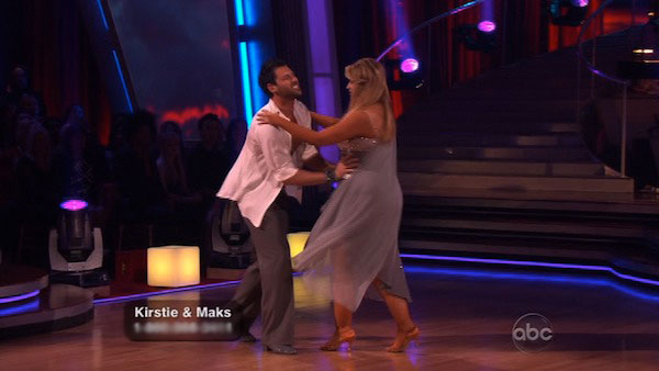 Kirstie Alley and her partner Maksim Chmerkovskiy fell while dancing the Rumba on week three of '