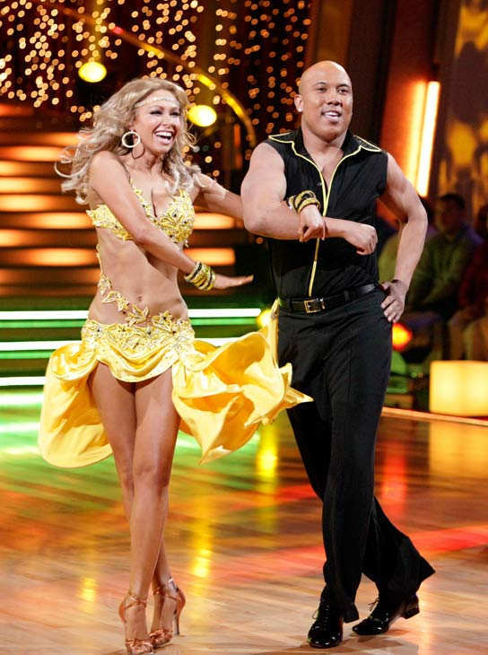 "<div class=""meta image-caption""><div class=""origin-logo origin-image ""><span></span></div><span class=""caption-text"">Hines Ward and his partner Kym Johnson received 25 out of 30 from the judges for their Samba on week three of 'Dancing With The Stars.' (ABC/Adam Taylor)</span></div>"