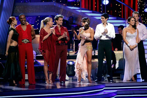 The cast of &#39;Dancing With The Stars&#39; react to Wendy Williams&#39; elimination. &#40;Pictured: ANNA TREBUNSKAYA, SUGAR RAY LEONARD, KENDRA WILKINSON, LOUIS VAN AMSTEL, KARINA SMIRNOFF, RALPH MACCHIO, CHERYL BURKE and CHRIS JERICHO.&#41; <span class=meta>(ABC Photo&#47; Adam Taylor)</span>