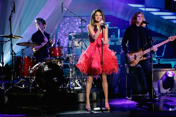 "<div class=""meta ""><span class=""caption-text "">Selena Gomez & The Scene performed their newest single 'Who Says' on 'Dancing With The Stars: The Results Show,' Tuesday, April 5, 2011. (ABC Photo/ Adam Taylor)</span></div>"