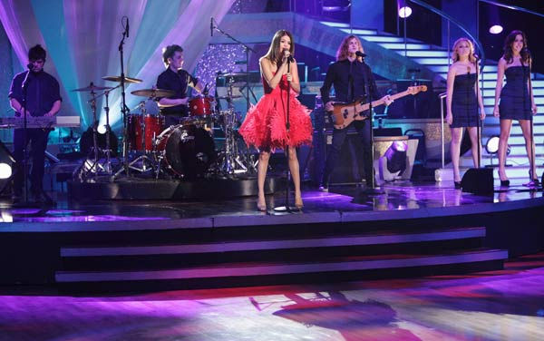 Selena Gomez & The Scene performed their newest single 'Who Says' on