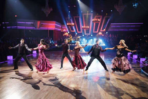 OneRepublic performed their hit &#39;All the Right Moves&#39; with the &#39;Dancing with the Stars&#39; Dance Troupe in the ballroom on &#39;Dancing With The Stars: The Results Show,&#39; Tuesday, April 5, 2011. <span class=meta>(ABC Photo&#47; Adam Taylor)</span>