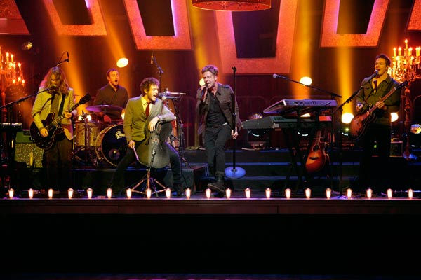 OneRepublic performed their hit &#39;All the Right Moves&#39; on &#39;Dancing With The Stars: The Results Show,&#39; Tuesday, April 5, 2011. <span class=meta>(ABC Photo&#47; Adam Taylor)</span>
