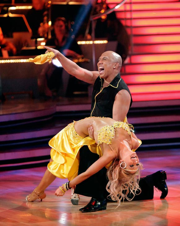"<div class=""meta image-caption""><div class=""origin-logo origin-image ""><span></span></div><span class=""caption-text"">Hines Ward and his partner Kym Johnson perform an encore of their Rumba during 'Dancing With The Stars: The Results Show' on April 5, 2011. The couple received 25 out of 30 from the judges for their Rumba on Monday. (ABC Photo/ Adam Taylor)</span></div>"