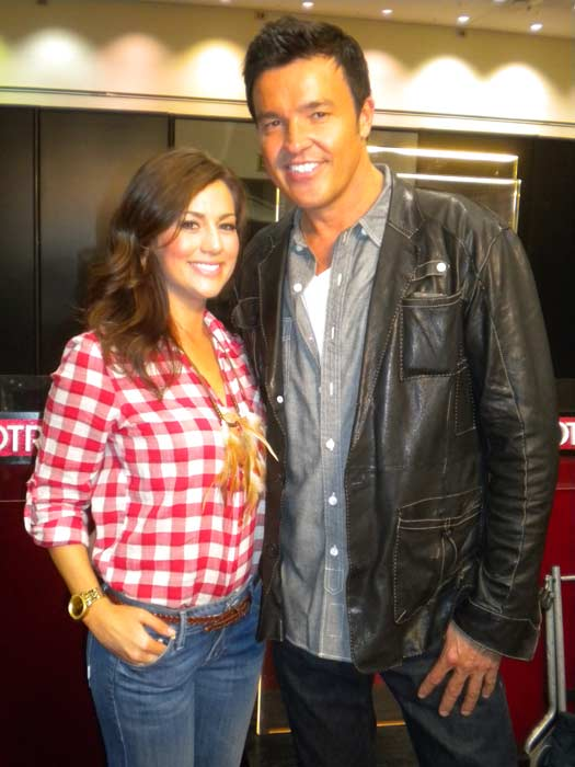 "<div class=""meta ""><span class=""caption-text "">'Extreme Makeover: Home Edition' stars Jillian Harris and Michael Moloney talk to 'On The Red Carpet' at the Reality Rocks Expo at the Los Angeles Convention Center on April 9, 2011. (OTRC)</span></div>"