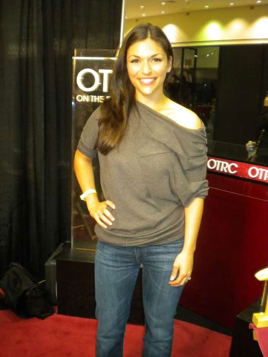 Former &#39;Bachelorette&#39; DeAnna Pappas talks to &#39;On The Red Carpet&#39; host Rachel Smith at the Reality Rocks Expo at the Los Angeles Convention Center on April 10, 2011. <span class=meta>(OTRC Photo)</span>