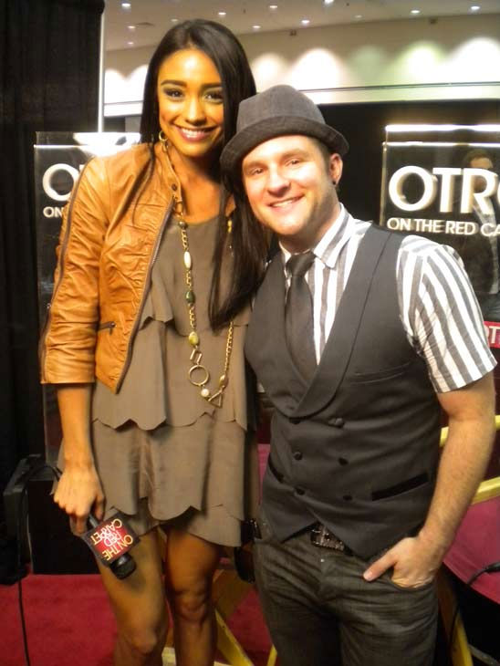 Former 'American Idol' contestant Blake Lewis chats with 'On The Red Carpet' host Rachel Smith at the Reality Rocks Expo at the Los Angeles Convention Center on April 10, 2011.