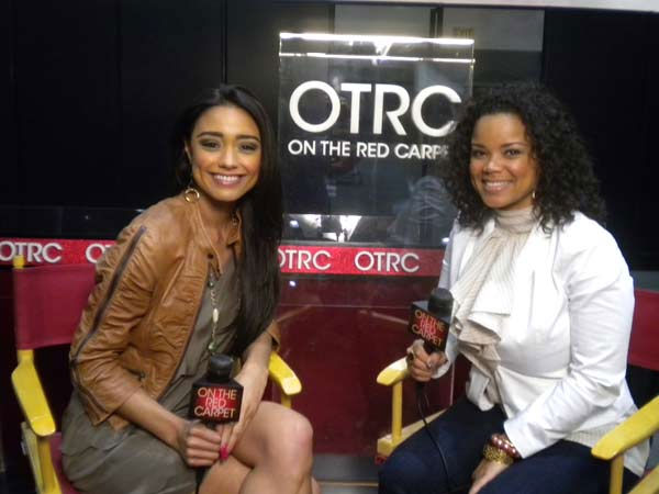 "<div class=""meta ""><span class=""caption-text "">Former 'American Idol' contestant Kimberley Locke chats with 'On The Red Carpet' host Rachel Smith at the Reality Rocks Expo at the Los Angeles Convention Center on April 10, 2011.  (OTRC Photo)</span></div>"