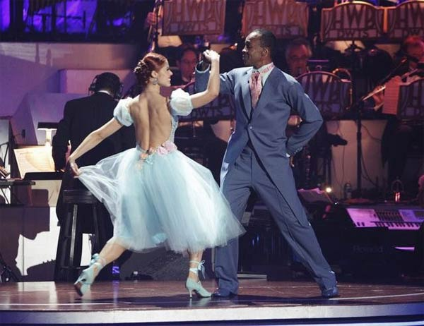 Sugar Ray Leonard and his partner Anna Trebunskaya received 21 out of 30 from the judges for their Viennese Waltz on week four of &#39;Dancing With The Stars.&#39; <span class=meta>(ABC&#47;Adam Taylor)</span>