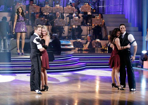 Jennifer Hudson performed 'Don't Look Down' and 'Feeling Good' on 'Dancing With The Stars: The Results Show,' Tuesday, April 12, 2011. (Pictured: Jennifer Hudson (on stage), Damian Whitewood, Snejana Petrova, Ashleigh Dilello and Ryan Dilello)