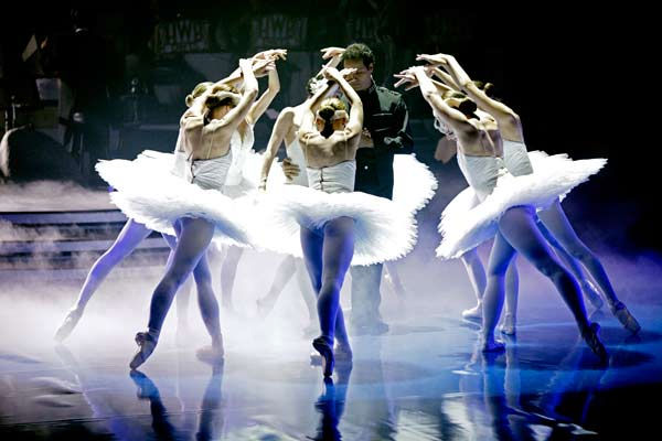 As part of Classical Week, the season&#39;s first &#39;Macy&#39;s Stars of Dance&#39; performance featured three of the most legendary ballet dancers in the world today, performing together on national television for the first time in a specially choreographed routine from &#39;Swan Lake,&#39; on &#39;Dancing with the Stars the Results Show,&#39; on Tuesday, April 12, 2011. &#40;Pictured: Lorna Feijoo and Jose Manuel Carreno&#41; <span class=meta>(ABC Photo&#47; Adam Taylor)</span>