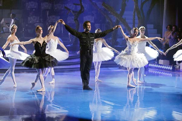 As part of Classical Week, the season&#39;s first &#39;Macy&#39;s Stars of Dance&#39; performance featured three of the most legendary ballet dancers in the world today, performing together on national television for the first time in a specially choreographed routine from &#39;Swan Lake,&#39; on &#39;Dancing with the Stars the Results Show,&#39; on Tuesday, April 12, 2011. &#40;Pictured: LORENA FEIJOO, JOSE MANUEL CARRENO and LORNA FEIJOO&#41; <span class=meta>(ABC Photo&#47; Adam Taylor)</span>