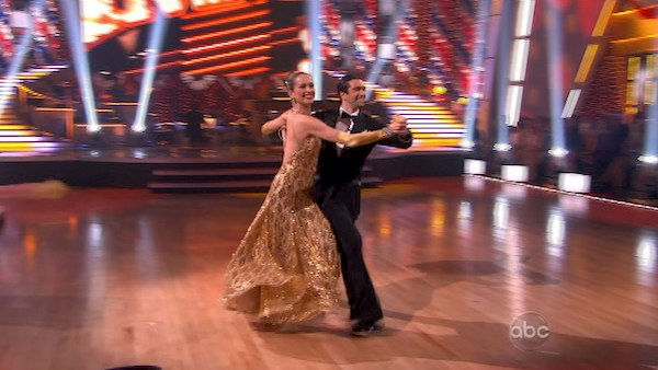 "<div class=""meta image-caption""><div class=""origin-logo origin-image ""><span></span></div><span class=""caption-text"">Petra Nemcova and her partner Dmitry Chaplin received 22 out of 30 from the judges for their Quickstep on week five of 'Dancing With The Stars.' (OTRC Photo)</span></div>"