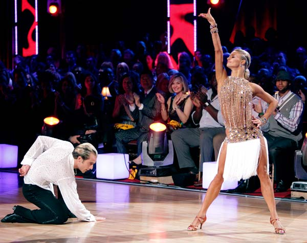 "<div class=""meta ""><span class=""caption-text "">'Dancing with the Stars' celebrated 'Ballroom Greats' week on Monday, May 2, 2011. (Pictured: RICCARDO COCCHI, YULIA ZAGOROUITCHENKO ) (ABC Photo/ Adam Taylor)</span></div>"