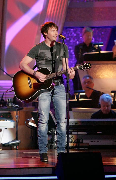 "<div class=""meta ""><span class=""caption-text "">James Blunt stopped by the 'Dancing With The Stars' stage on Tuesday, May 03, 2011 to sing his single 'I'll Be Your Man.' In honor of 'Ballroom Greats' week, Amateur U.S. Latin champions Val Chmerkovskiy and his partner, Daria Chesnokova, danced.  (ABC Photo/ Adam Taylor)</span></div>"