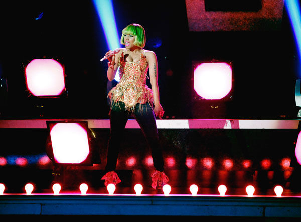 Nicki Minaj performed &#39;Moment 4 Life&#39; on the &#39;Dancing With The Stars&#39; stage on Tuesday, May 03, 2011. Dancers Lacey Schwimmer, Chelsie Hightower, Kiki Nyemchek and Sonny Pederson performed an accompanying dance.  <span class=meta>(ABC Photo&#47; Adam Taylor)</span>