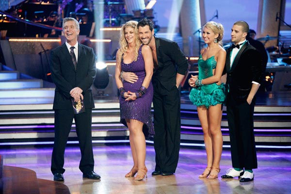 "<div class=""meta ""><span class=""caption-text "">Hines Ward and his partner Kym Johnson won the first round of the Instant Cha Cha, beating Ralph Macchio and his partner Karina Smirnoff. Ward and Johnson then went up against the second round winners, Chelsea Kane and her partner Mark Ballas, who beat out Kirstie Alley and her partner Maksim Chmerkovskiy. Kane and Ballas eventually earned an extra 15 points for winning the Instant Cha Cha round.   (Photo/Adam Taylor)</span></div>"