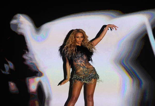 "<div class=""meta ""><span class=""caption-text "">Beyonce performs at the 2011 Billboard Music Awards in Las Vegas on Sunday, May 22, 2011. The singer was honored with the Millennium Award. (ABC Photo/ Ethan Miller)</span></div>"