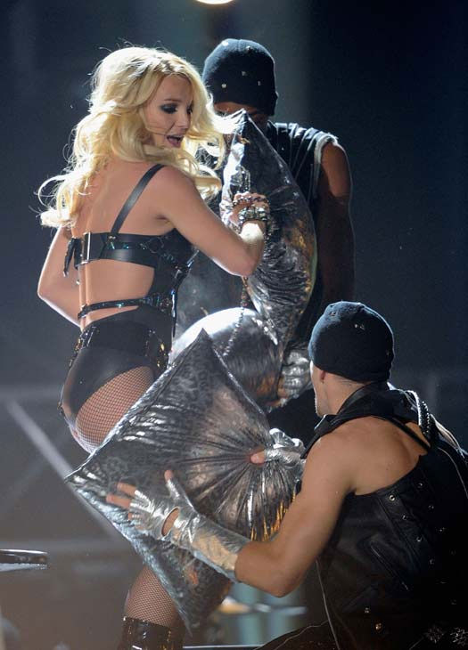 "<div class=""meta ""><span class=""caption-text "">Britney Spears and Rihanna perform at the 2011 Billboard Music Awards in Las Vegas on Sunday, May 22, 2011. (ABC Photo/ Ethan Miller)</span></div>"