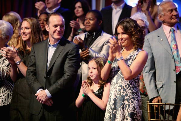 "<div class=""meta ""><span class=""caption-text "">Clark Gregg, Kyle Massey, Jennifer Grey and Buzz Aldrin appear on 'Dancing With The Stars' on May 23, 2011. (ABC Photo/ Adam Taylor)</span></div>"