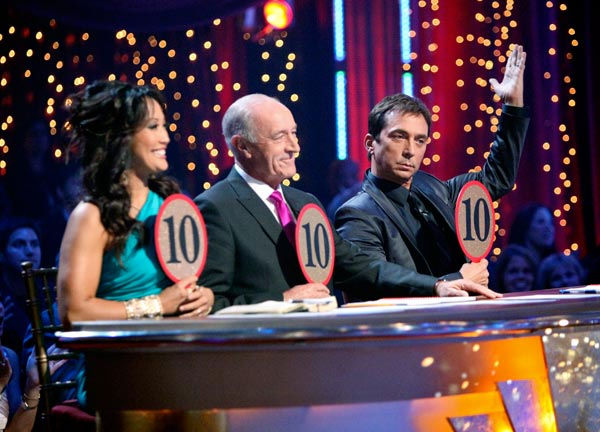 Carrie Ann Inaba, Len Goodman and Bruno Tonioli hold up Chelsea Kane and her partner Mark Ballas&#39; freestyle scores on &#39;Dancing With The Stars&#39; on May 23, 2011. <span class=meta>(ABC Photo&#47; Adam Taylor)</span>