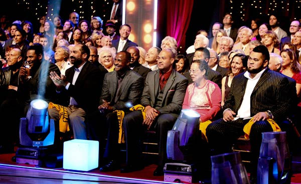 "<div class=""meta ""><span class=""caption-text "">Jerome Bettis, Franco Harris, Lynn Swann, Kim Young-Hee (Ward's mother) and Chris Kemoeatu appear on 'Dancing With The Stars' on May 23, 2011. (ABC Photo/ Adam Taylor)</span></div>"