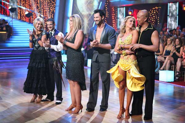 Hines Ward, Kym Johnson, Kirstie Alley, Maksim Chmerkovskiy, Chelsea Kane and her partner Mark Ballas wait to hear their fate on &#39;Dancing With The Stars&#39; season 12 finale on Tuesday, May 24, 2011. <span class=meta>(OTRC Photo)</span>