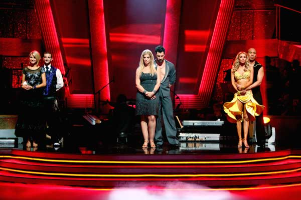 "<div class=""meta ""><span class=""caption-text "">Hines Ward, Kym Johnson, Kirstie Alley, Maksim Chmerkovskiy, Chelsea Kane and her partner Mark Ballas wait to hear their fate on 'Dancing With The Stars' season 12 finale on Tuesday, May 24, 2011. (OTRC Photo)</span></div>"