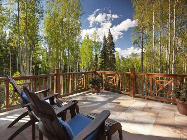 "<div class=""meta ""><span class=""caption-text "">The upstairs balcony of Jerry Seinfeld's mansion in Telluride, Colorado which has 11 bedrooms, 11 bathrooms, mountain views and a creek and is on the market for $18 million. (Photo/SothebysRealty.com)</span></div>"