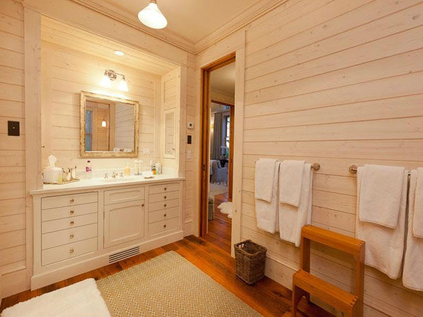 A bathroom in Jerry Seinfeld&#39;s mansion in Telluride, Colorado which has 11 bedrooms, 11 bathrooms, mountain views and a creek and is on the market for &#36;18 million. <span class=meta>(Photo&#47;SothebysRealty.com)</span>