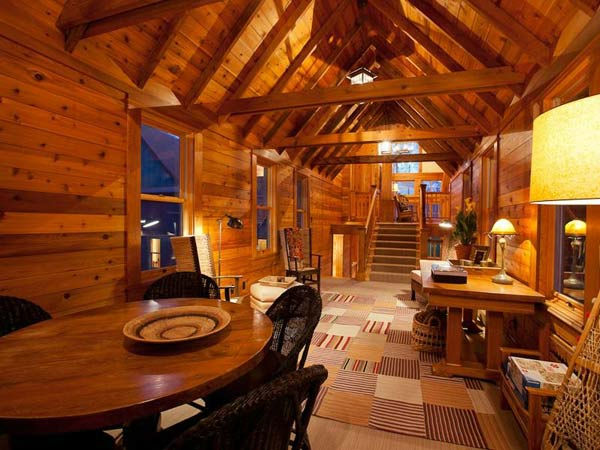 "<div class=""meta ""><span class=""caption-text "">The dining room in Jerry Seinfeld's mansion in Telluride, Colorado which has 11 bedrooms, 11 bathrooms, mountain views and a creek and is on the market for $18 million. (Photo/SothebysRealty.com)</span></div>"