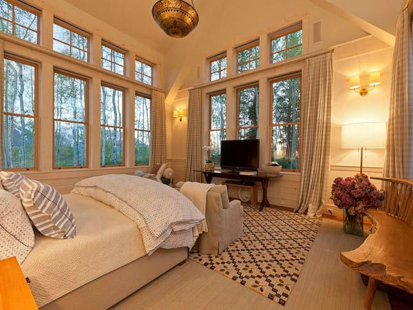 "<div class=""meta ""><span class=""caption-text "">A guest bedroom in Jerry Seinfeld's mansion in Telluride, Colorado which has 11 bedrooms, 11 bathrooms, mountain views and a creek and is on the market for $18 million. (Photo/SothebysRealty.com)</span></div>"