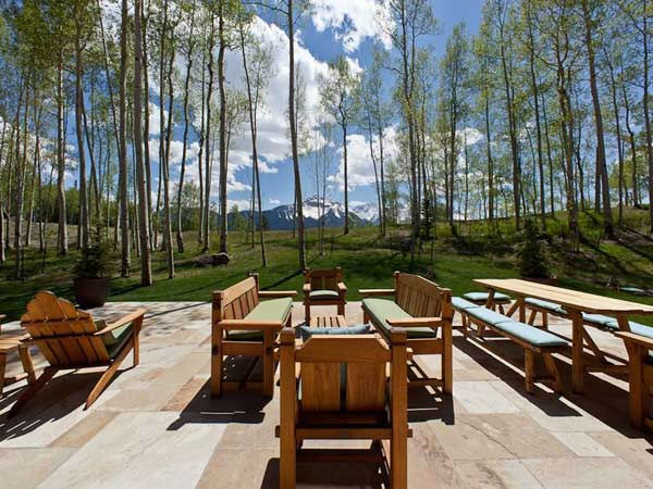 "<div class=""meta ""><span class=""caption-text "">The deck of Jerry Seinfeld's mansion in Telluride, Colorado which has 11 bedrooms, 11 bathrooms, mountain views and a creek and is on the market for $18 million. (Photo/SothebysRealty.com)</span></div>"
