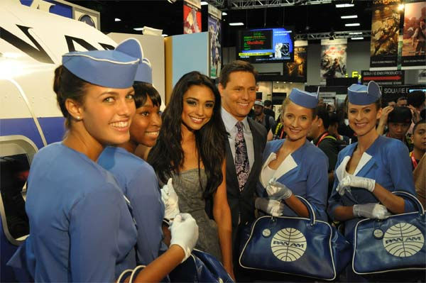 On The Red Carpet hosts Chris Balish and Rachel Smith pose with Pan Am Girls at Comic-Con in San Diego on Wednesday, July 20, 2011. <span class=meta>(OTRC Photo)</span>