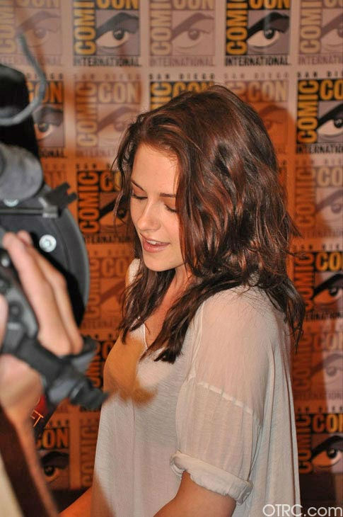 OnTheRedCarpet.com co-host Rachel Smith interviews Kristen Stewart from &#39;The Twilight Saga&#39; at Comic-Con in San Diego on Thursday, July 21, 2011. <span class=meta>(OTRC Photo)</span>