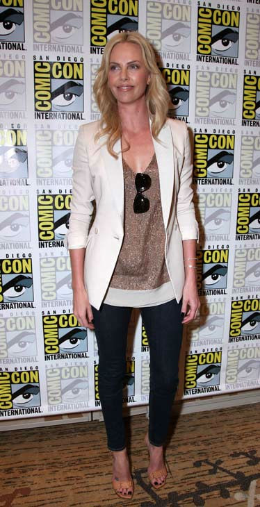 Charlize Theron poses for photographs prior to the &#39;Prometheus&#39; press conference at Comic Con in San Diego, CA on Thursday July 21, 2011. <span class=meta>(Alex J. Berliner&#47;ABImages)</span>