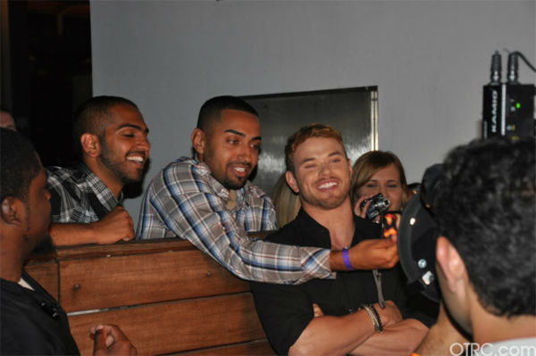 "<div class=""meta image-caption""><div class=""origin-logo origin-image ""><span></span></div><span class=""caption-text"">Kellan Lutz from 'The Twilight Saga' poses with fans at the Summit Comic-Con party sponsored by Butterfinger at the Hard Rock Hotel in San Diego on Thursday, July 21, 2011. (OTRC Photo)</span></div>"