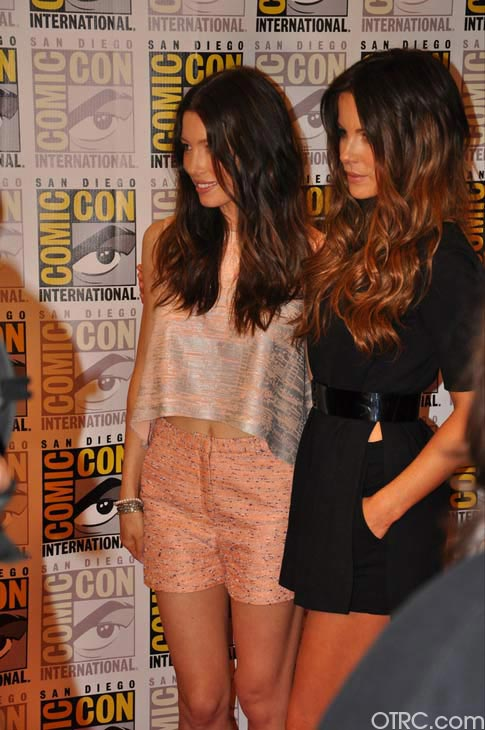 Kate Beckinsale and Jessica Biel from the &#39;Total Recall&#39; remake appear in a photo at Comic-Con in San Diego on Friday, July 22, 2011. <span class=meta>(OTRC Photo)</span>