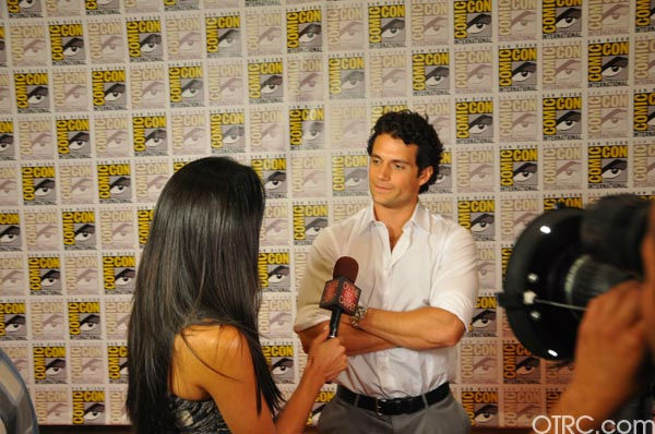 "<div class=""meta ""><span class=""caption-text "">'Immortals' actor Henry Cavill talks to OnTheRedCarpet.com co-host Rachel Smith at San Diego Comic-Con on Saturday, July 23, 2011. (OTRC Photo)</span></div>"
