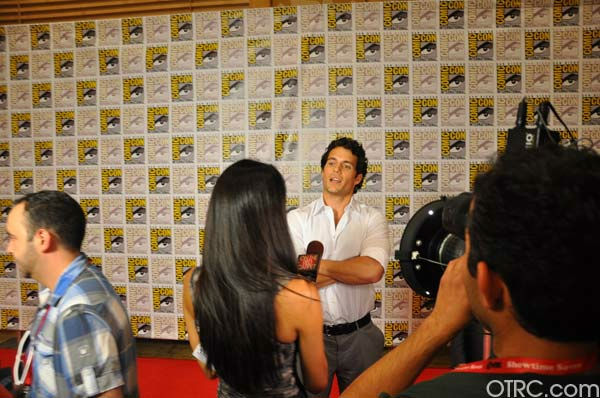 &#39;Immortals&#39; actor Henry Cavill talks to OnTheRedCarpet.com co-host Rachel Smith at San Diego Comic-Con on Saturday, July 23, 2011. <span class=meta>(OTRC Photo)</span>