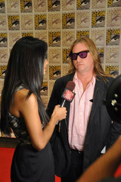 "<div class=""meta image-caption""><div class=""origin-logo origin-image ""><span></span></div><span class=""caption-text"">""Twixt"" actor Val Kilmer talks to OnTheRedCarpet.com co-host Rachel Smith at San Diego Comic-Con on Saturday, July 23, 2011.  (OTRC Photo)</span></div>"
