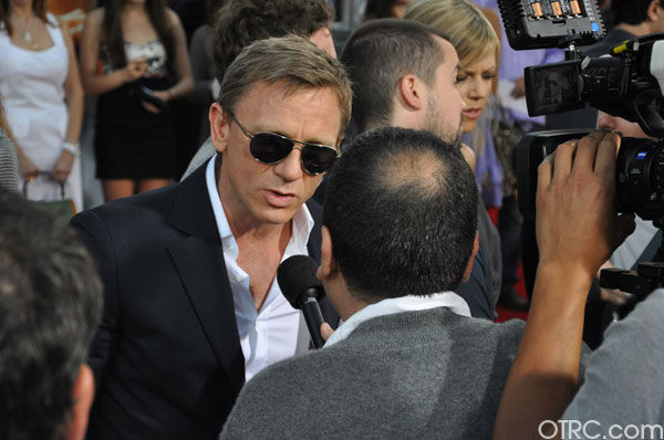 &#39;Cowboys &#38; Aliens&#39; actor Daniel Craig appears at the film&#39;s premiere at San Diego Comic-Con on Saturday, July 23, 2011. <span class=meta>(OTRC Photo)</span>