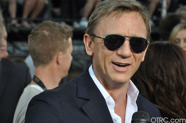 "<div class=""meta ""><span class=""caption-text "">'Cowboys & Aliens' actor Daniel Craig appears at the film's premiere at San Diego Comic-Con on Saturday, July 23, 2011. (OTRC Photo)</span></div>"
