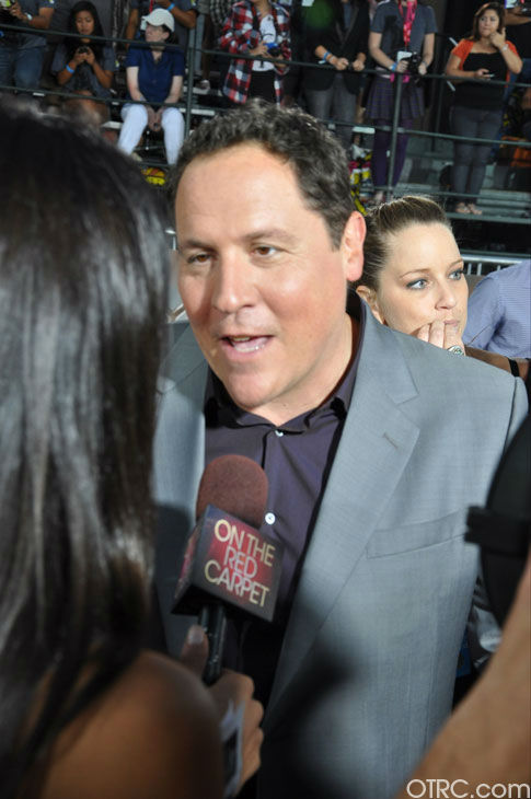 "<div class=""meta image-caption""><div class=""origin-logo origin-image ""><span></span></div><span class=""caption-text"">'Cowboys & Aliens' director Jon Favreau talks to OnTheRedCarpet.com co-host Rachel Smith at the film's premiere at San Diego Comic-Con on Saturday, July 23, 2011. (OTRC Photo)</span></div>"
