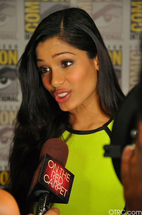 "<div class=""meta image-caption""><div class=""origin-logo origin-image ""><span></span></div><span class=""caption-text"">'Immortals' actress Freida Pinto talks to OnTheRedCarpet.com co-host Rachel Smith at San Diego Comic-Con on Saturday, July 23, 2011. (OTRC Photo)</span></div>"