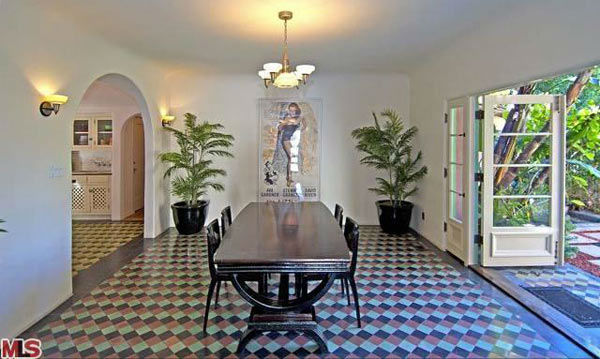 "<div class=""meta ""><span class=""caption-text "">The dining room in Rose McGowan's former home, located in the Loz Feliz neighborhood of Los Angeles, which was built in 1928 and has 4 bedrooms and 3 bathrooms. The Spanish-style home was sold for $1.7 million in May 2011. (MLS / Realtor.com)</span></div>"