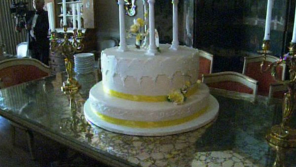 The base of the cake for Zsa Zsa Gabor and Frederic Prinz von Anhalt&#39;s 25th wedding anniversary celebration on August 14, 2011. <span class=meta>(OTRC Photo)</span>